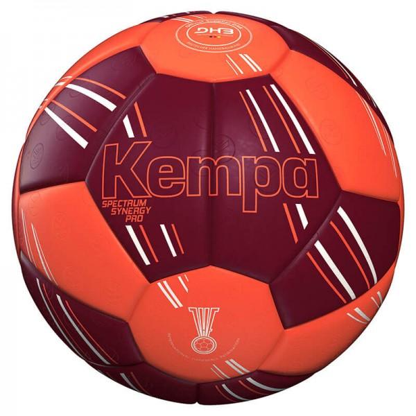 Der neue Kempa Spectrum Synergy Pro Handball für 2020 in orange/dunkelrot