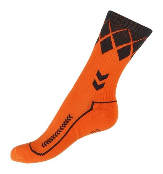 Die neue hummel Fire Knight Socke in orange/schwarz jetzt kaufen